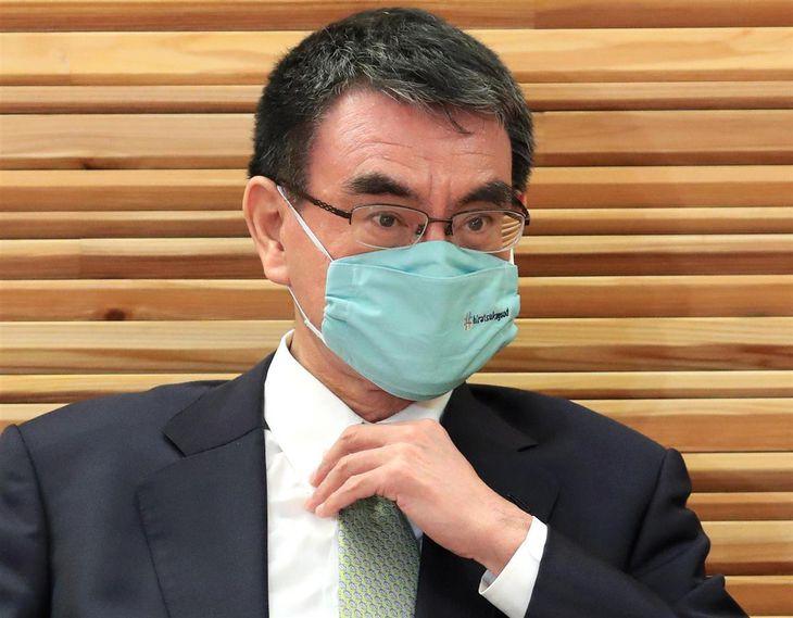 河野太郎行政改革担当相(佐藤徳昭撮影)