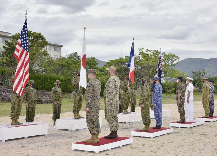 自衛隊と米仏豪各国軍による共同訓練「アーク21」の開始式=11日午後、長崎県佐世保市(陸上自衛隊提供)
