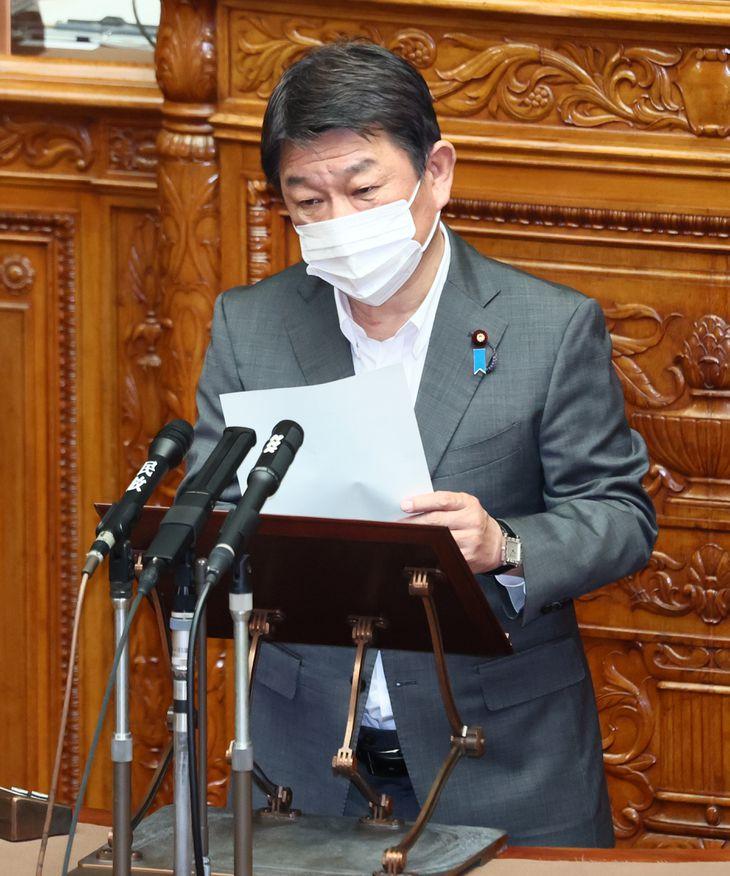 参院本会議でWHOの台湾への対応に関する決議が採択され所信述べる茂木敏充外務相=11日午前、国会(春名中撮影)