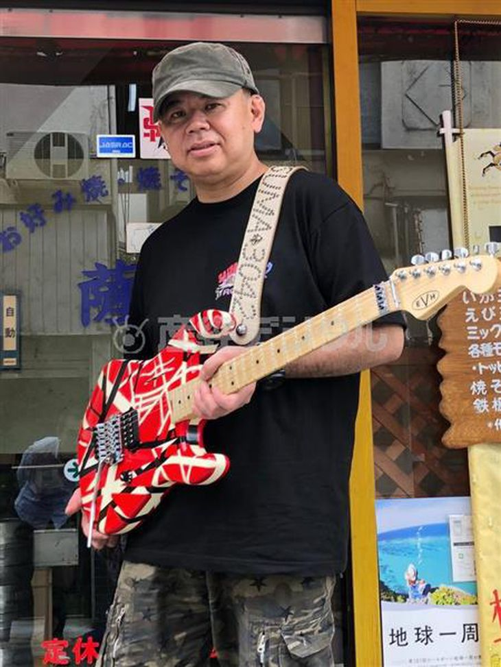 ユーチューブへの投稿を機に、「大阪・寝屋川のエドワード・ヴァン・ヘイレン」として世界的に有名になった米田喜一さん