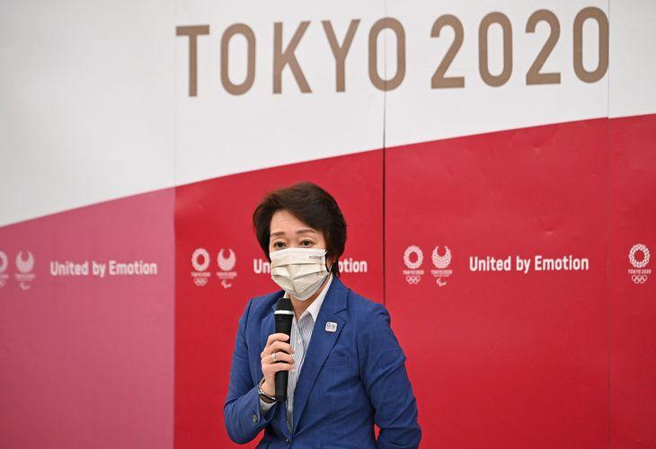 東京2020組織委員会の理事会であいさつする橋本聖子会長=8日午後3時1分、東京都中央区(代表撮影)