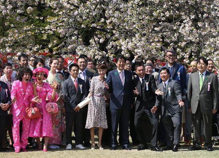 首相主催「桜を見る会」賃上げの成果強調 後半国会「戦後以来の大改革」