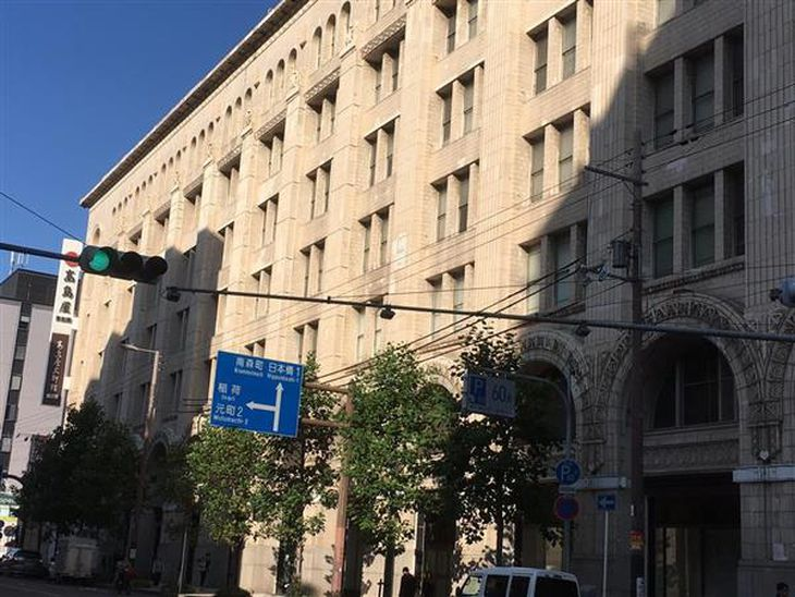 【ビジネスの裏側】現存最古級の百貨店建築がホテルに 大阪の高島屋東別館、大理石の壁に重厚アーチ