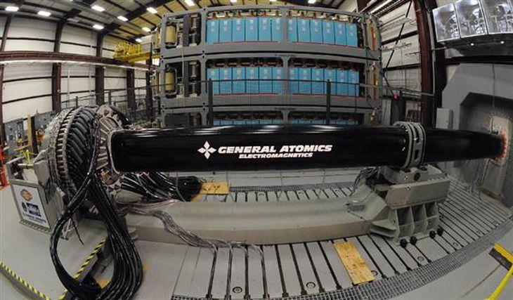 超速射・レールガン(電磁加速砲)を日本独自で開発へ 中露ミサイルを無力化 防衛省が概算要求