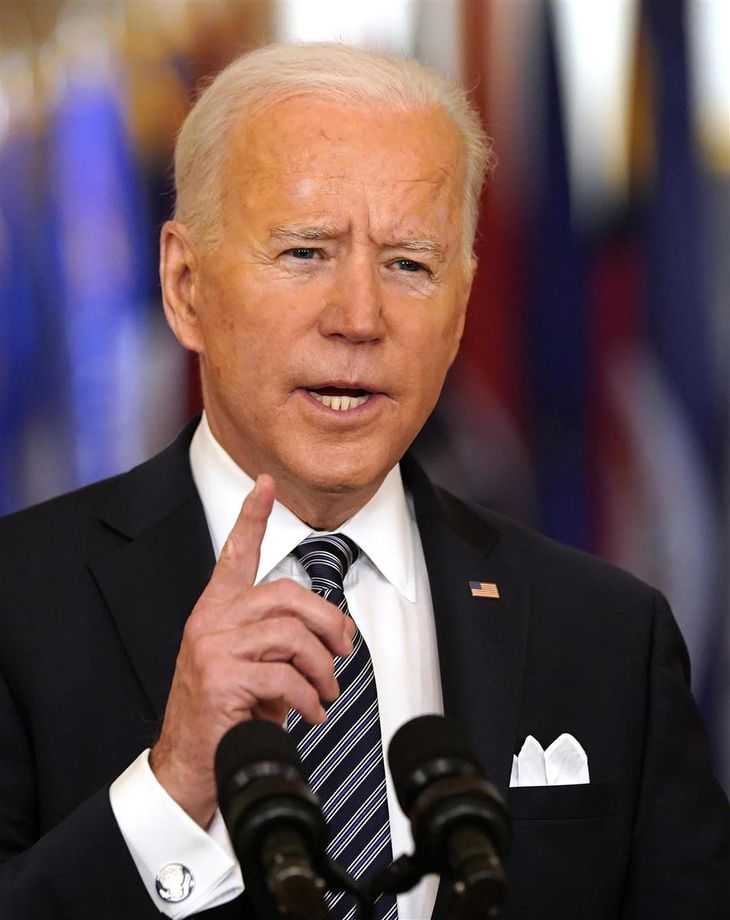 ワシントンで演説するバイデン米大統領=11日(UPI=共同)