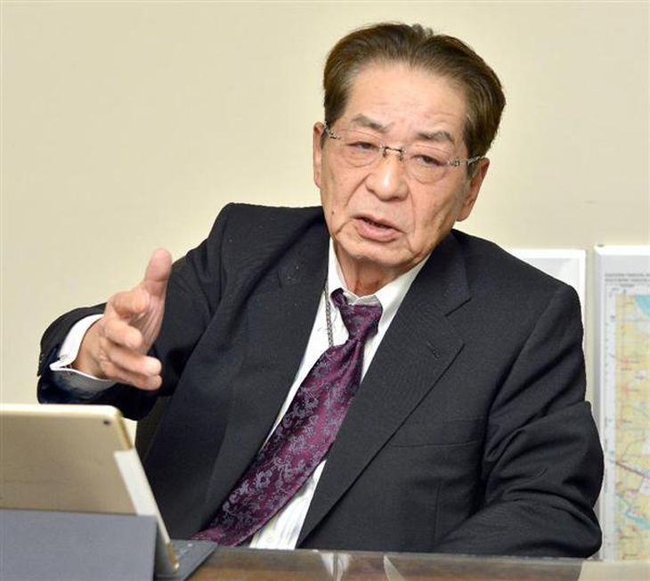 インタビューに答える仙谷由人元官房長官=11月29日、東京・新橋の事務所(酒巻俊介撮影)